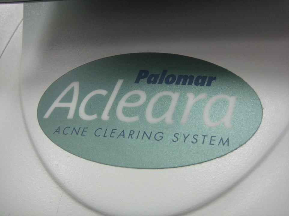2011 Acleara™ Acne Clearing System