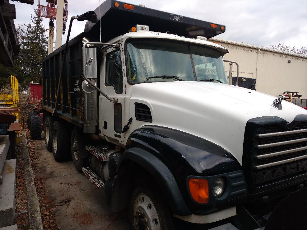 2003 Mack Granite CV713 Tri-Axle Dump